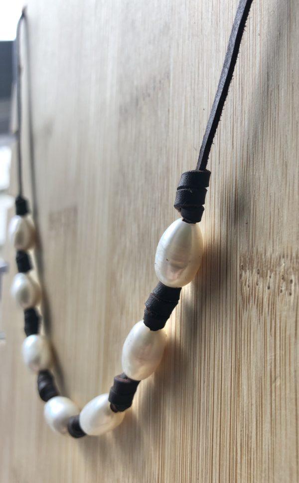 collar cuero y perlas de río, 7. foto 2
